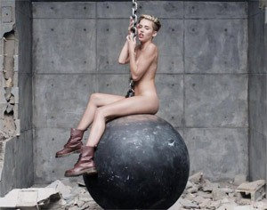 miley-cyrus-wrecking-ball-m